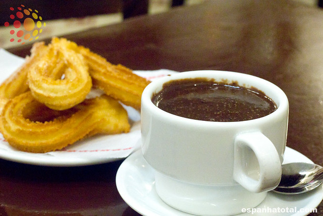 doces típicos de Madri: chocolate com churros