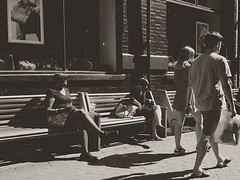 Rest a while before heading back to the throngs #street_photography_social #streetshooter #peoplewatching #streetphotography #tv_community #rsa_streetview_ #rustlord_street #londonist #london_only #peopleshooting #icu_europe #icu_britain #instagramhub #bn