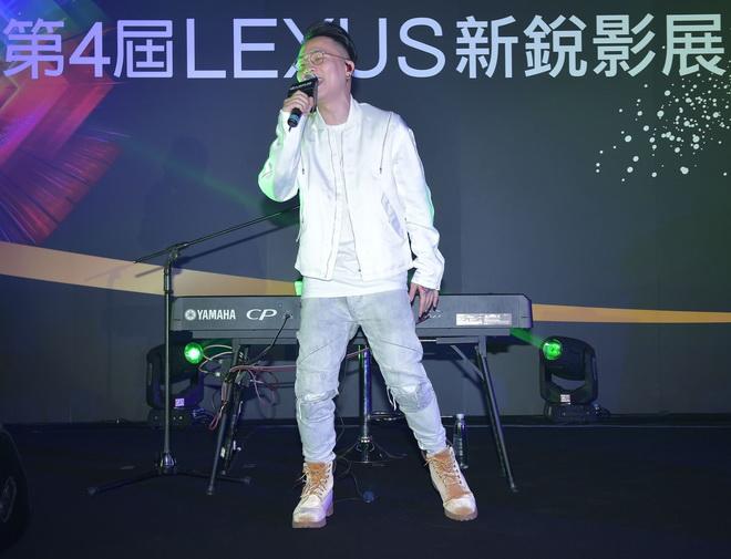 創作歌手蕭秉治(廷廷)以歌聲鼓勵學生持續創作