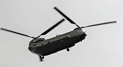 CHINOOK OVERFLYING NEWCASTLE AIRPORT
