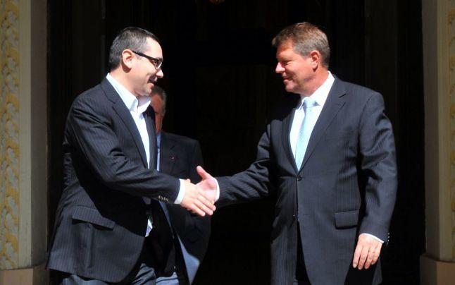 Victor Ponta (stanga) si Klaus Iohannis
