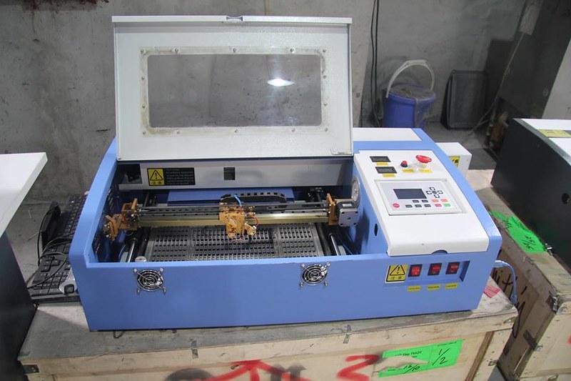 máy cắt laser Mica mini (11)