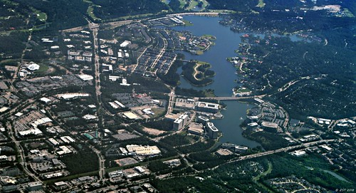 zeesstof workday flight houstontodenver united unitedairlines windowseat viewfromwindow thewoodlandstx texas thewoodlands lakewoodlands home aerial aerialview airline commercialflight conroe unitedstates usa