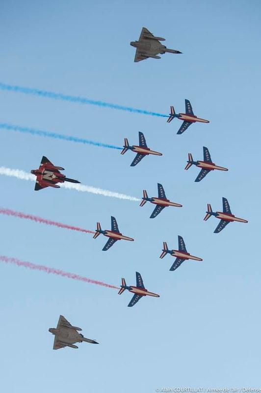 المقاتله الفرنسيه Dassault Mirage 2000  43201874681_bd061dcd4e_c