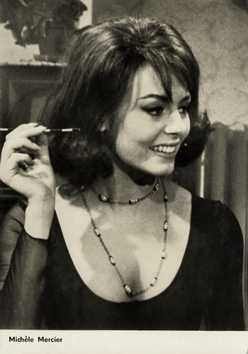 Michèle Mercier in I nostri mariti (1966)