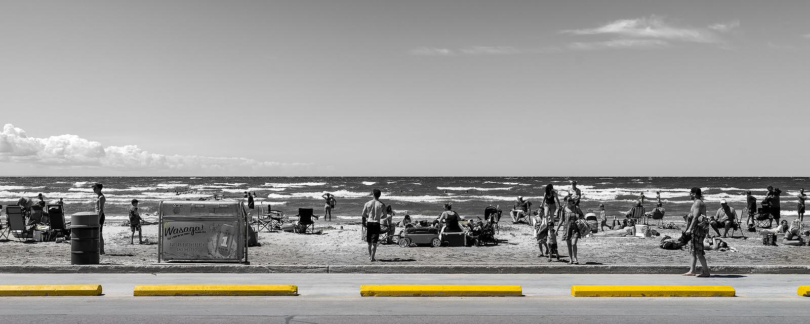 La plage... 43478403621_b20eeecfa5_h