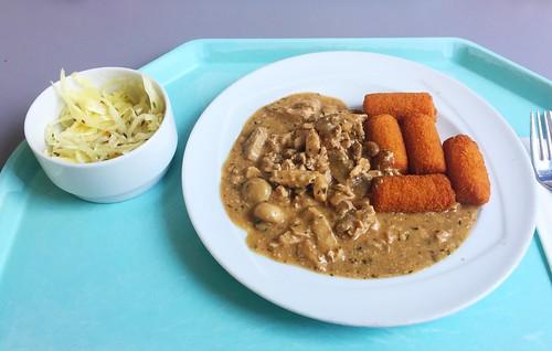 """Pork chop """"zurich style"""" with croquettes / Schweinegeschnetzeltes """"Zurcher Art"""" mit Kroketten"""