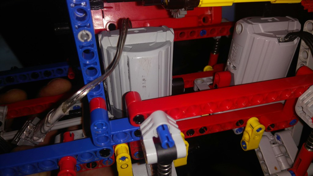 lego technic 42068