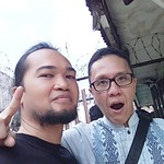 Seminggu lagi Pilkada. Selfie dulu sama Calon Wakil Walikota @si_ruli_hidayat . Very friendly and humble guy. Well, he's a musician too.. #bandungvotenuruli #musician #musicians #musicianlife #bandung #bandunggeulisharmonis #selfie #selfie_time #bandunghi