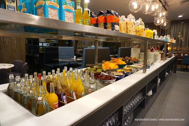 Drinks and Fruits during Breakfast at Rydges Sydney Airport Hotel