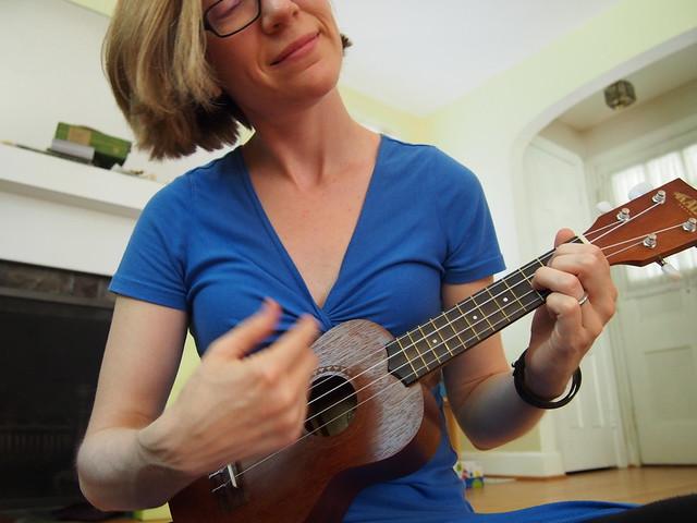 Playing a G chord