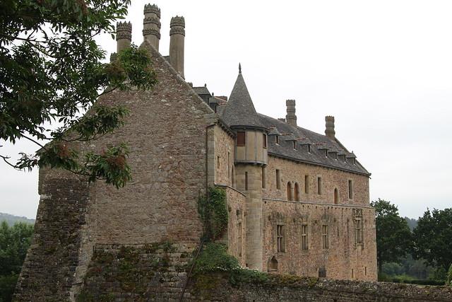 La forteresse de la Roche-Jagu est située sur la commune de Ploëzal, dans le département des Côtes d'Armor en Bretagne.