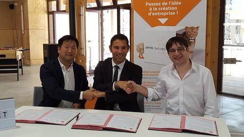 Signatura conveni Universitat de Perpinyà i Canòdrom BCN (4 juliol)