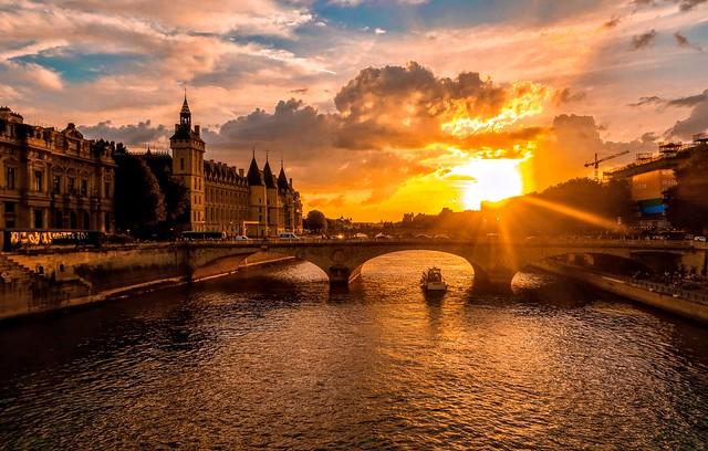 River Seine Sunset, Paris.