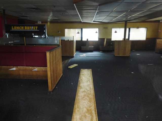 Abandoned Pizza Hut dining, Panasonic DMC-ZS25