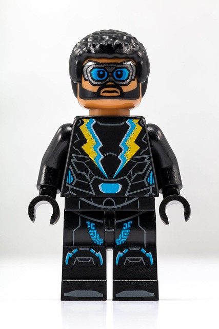 DC Comics SDCC Exclusive Minifigure Is Electrifying!
