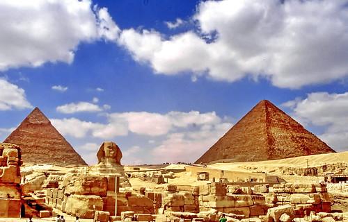 world travel reise viajes africa egypt egipto ägypten cairo giza gizeh pyramiden pyramides piramides paisajes panorama landscape landschaft clouds nubes wolken sphinx archeology archeologie arqueologia historicsites historic himmel outdoor oldcity