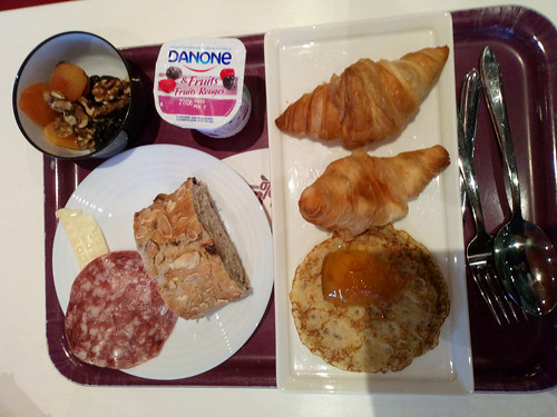 hotel breakfast foods