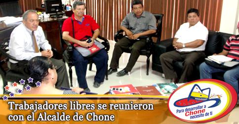 Trabajadores libres se reunieron con el Alcalde de Chone