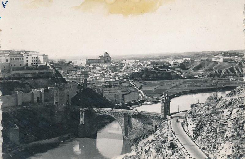 Río Tajo y Puente de Alcántara en 1962. Fotografía de Julián C.T.