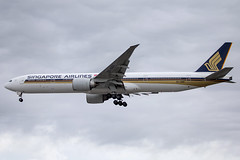 Singapore Airlines - Boeing 777-312ER 9V-SWA @ London Heathrow