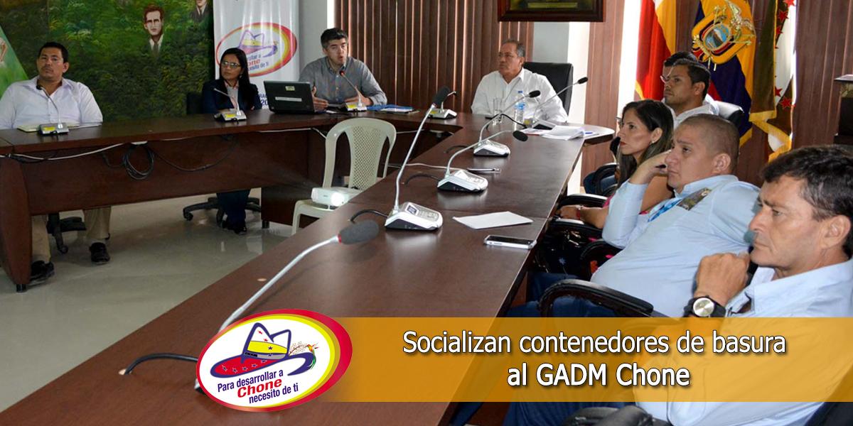Socializan contenedores de basura al GADM Chone