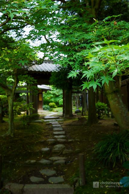 Gate of Muian (無為庵)