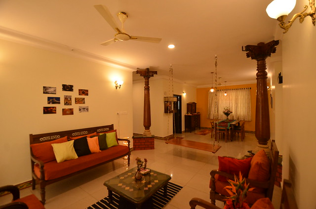 Traditional Chettinad style apartment in Bangalore with pillars
