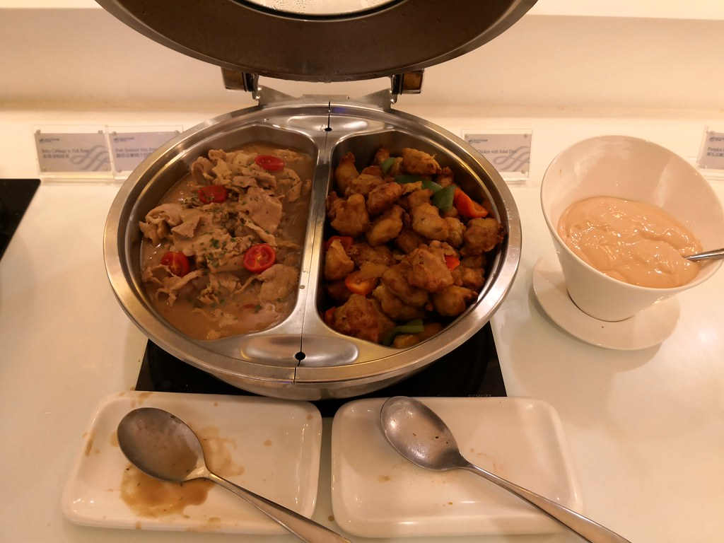 Stir-fry pork and fried chicken
