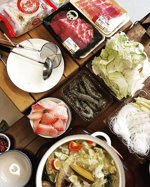 20180710 颱風假 就是要在家裡吃火鍋呀 #戴家日常 #葛蘿的餐桌 #颱風假