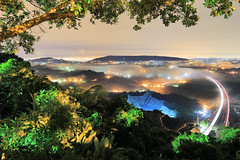 台灣-中寮山琉璃低空雲海夜0720