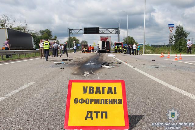 ДТП маршрутка врезалась в фуру. 10 погибших