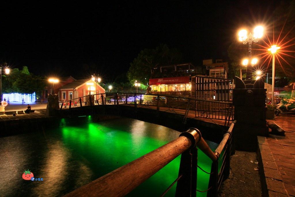 淡水海關碼頭燈海