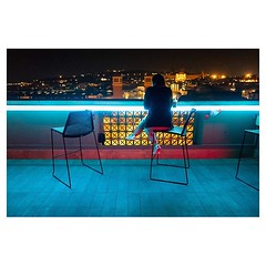 Alone at Bar-celona . #xpro2 #fujixpro2 #fujifeed #fujifilm #fujilove #myfujilove #fujifilm_xseries #fujifilmusa #fujifilmnordic #fujifilmme #fujifilm_uk #twitter #geoffroyschied #35mmofmusic #night #mood #pool #bar #barcelona #spain #bluelight #blue #cit