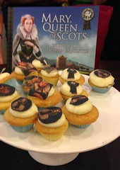 Mary, Queen of Scots cupcakes