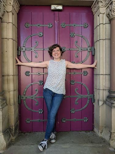 posing in a purple doorway (Temple Neuf)