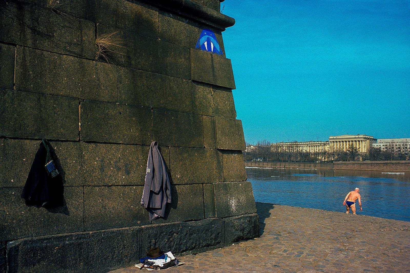 У Петропавловской крепости