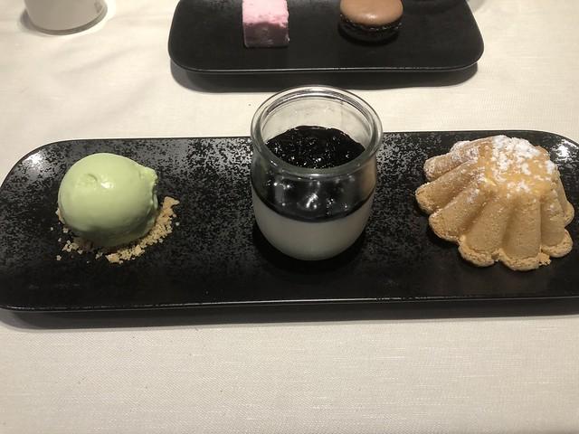 Biscuit de savoie - Akashon @ Hotel Heliopic