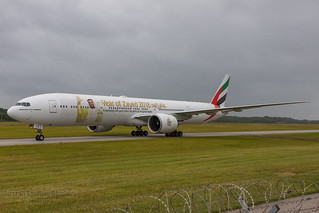 Emirates Boeing 777-300 A6-ECE
