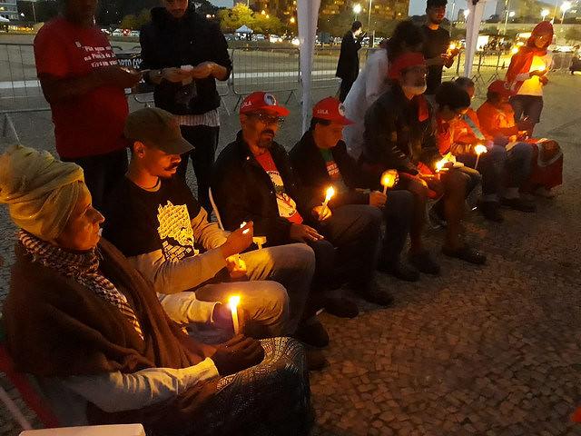 Militantes en huelga de hambre en la solenidad en frente al STF, en Brasília (DF) - Créditos: Cristiane Sampaio
