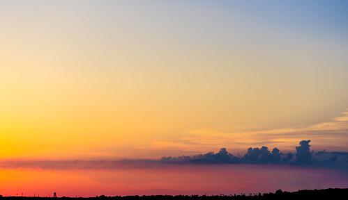El cielo sobre la Base Naval de Rota