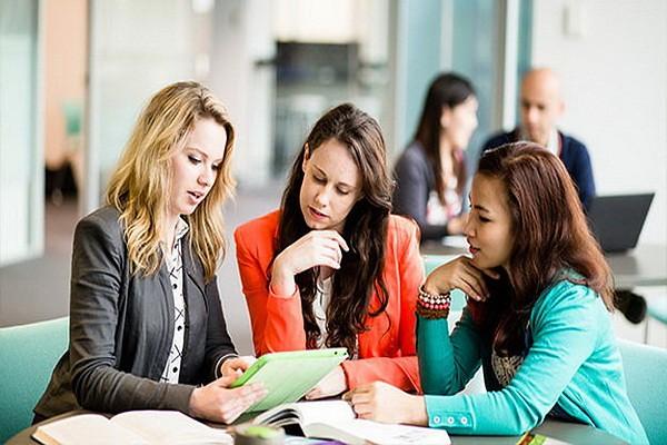 định hướng nghề nghiệp với sinh viên quản lý kinh doanh