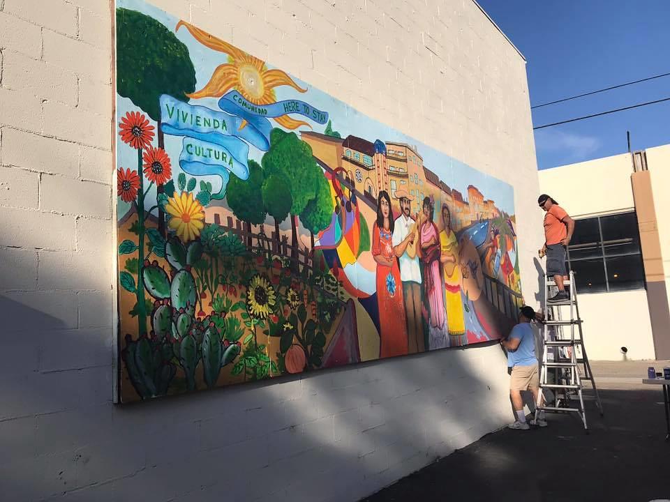 Community Mural/Mural Comunitario