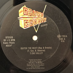 T SKI VALLEY:!CATCH THE BEAT!(LABEL SIDE-A)