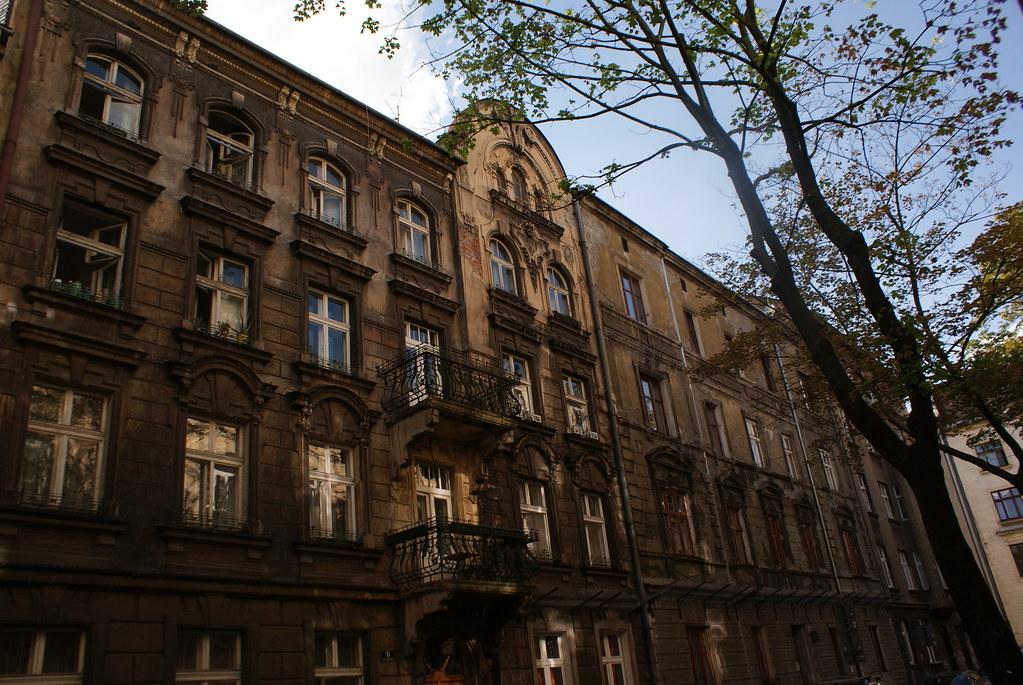 Un bel immeuble bien délabré du quartier de Piasek à Cracovie.