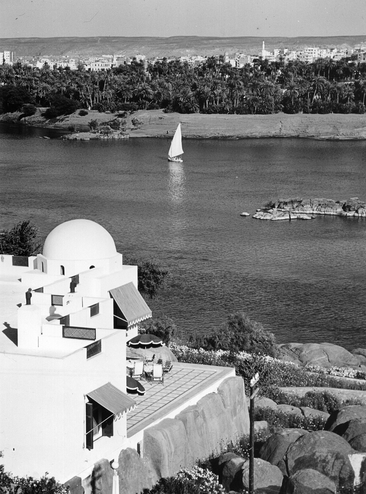 Асуан. Вид с острова Элефантина на город