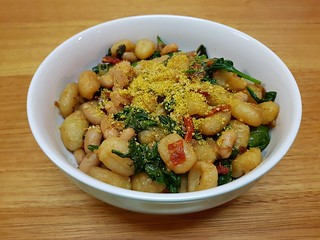 Spinach and Gnocchi with White Beans