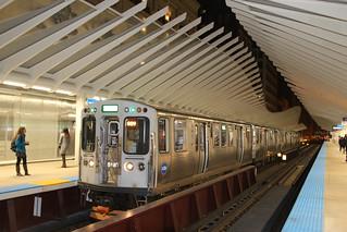 CTA Green Line Train at Washington/Wabash
