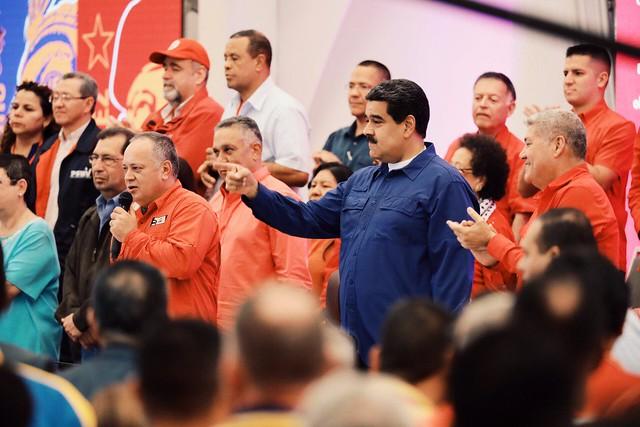 Maduro fala em 'produzir mudança total' na economia da Venezuela
