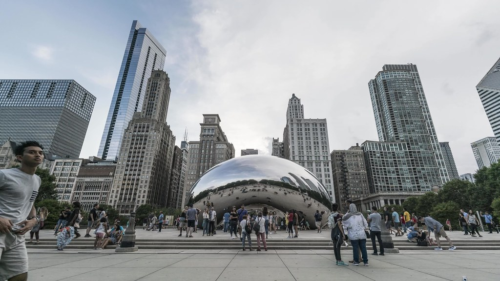 Cloud Gate Time Lapse with music